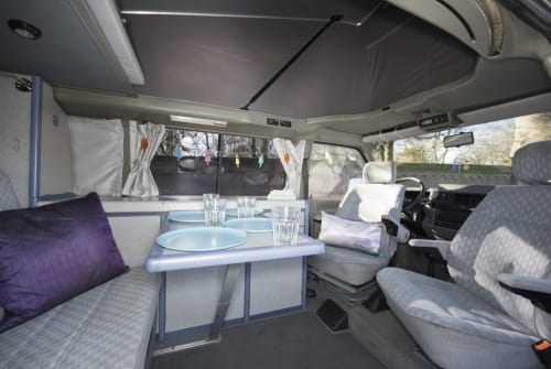 Hire a motorhome in Mierlo from private owners| VW Sunset