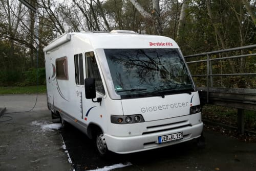 Hire a motorhome in Verden from private owners| Dethleffs Emma