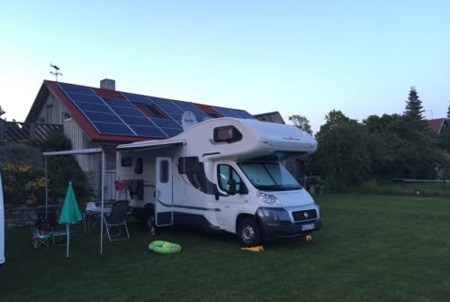 Hire a motorhome in Mannheim from private owners| Roller Team Beppo