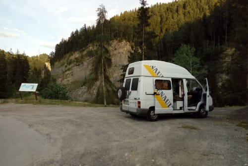 Hire a motorhome in Rudolfsheim-Fünfhaus from private owners| Renault Ronnie