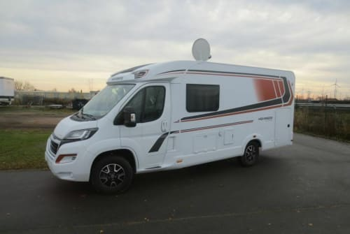Hire a motorhome in Unterhaching from private owners| Weinsberg Xaver