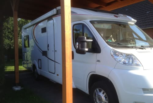 Hire a motorhome in Geldern from private owners| Bürstner Orchidee