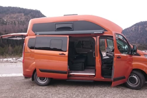 Hire a motorhome in Augsburg from private owners| Ford Hollända