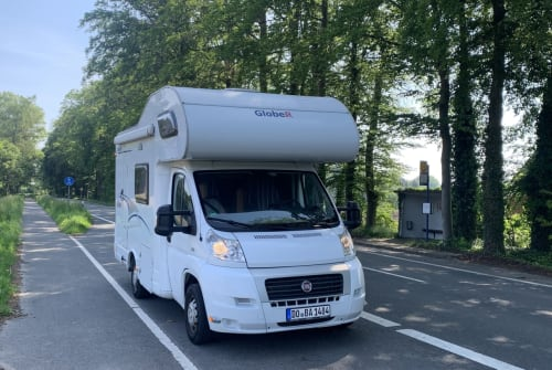 Hire a motorhome in Dortmund from private owners| Dethleffs Wendelin