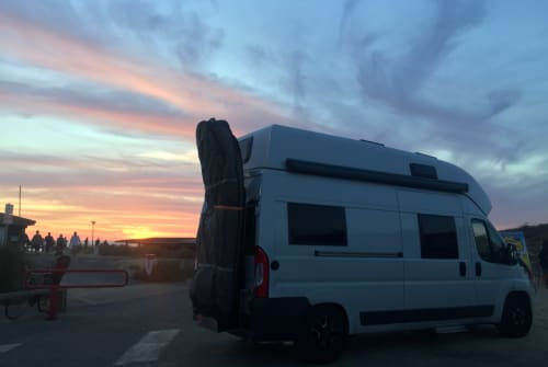 Hire a motorhome in Huglfing from private owners| Weinsberg Kalle