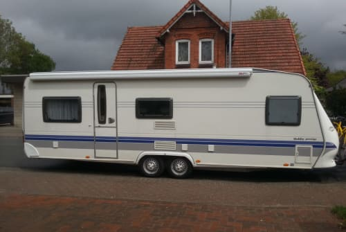 Hire a motorhome in Schwarme from private owners| Hobby 650 kmfe Prestige LANDei