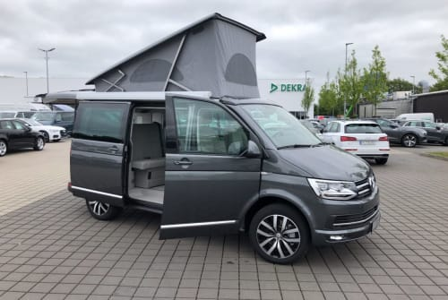 Hire a motorhome in Flensburg from private owners| Volkswagen Cultcamper