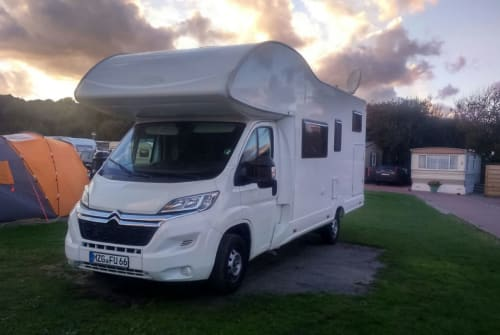 Hire a motorhome in Beckingen from private owners| Bela Easy (PLA) tourbusvincentklein