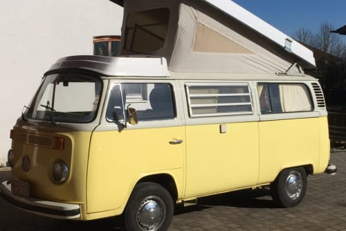 Hire a motorhome in Unterhaching from private owners| VW T2 Oldiecruiser