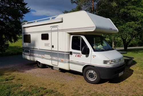 Hire a motorhome in Markranstädt from private owners| Fiat Duke