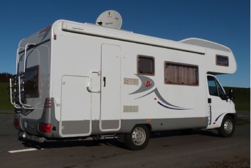 Hire a motorhome in Marburg from private owners| Detlefs Detlefs A6880