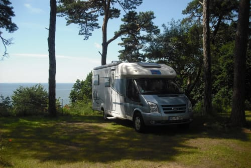 Hire a motorhome in Mönchengladbach from private owners| T.E.C. Wonnys-Wohnmobil