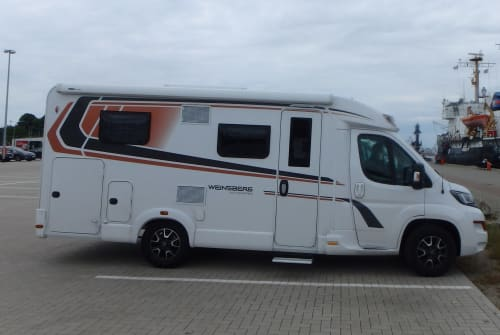 Hire a motorhome in Vöhringen from private owners  Weinsberg Valentin