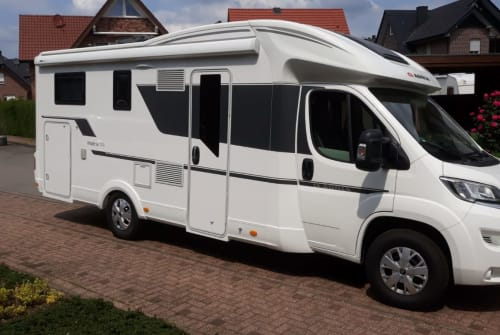Hire a motorhome in Vreden from private owners| Adria Adria 670 SL