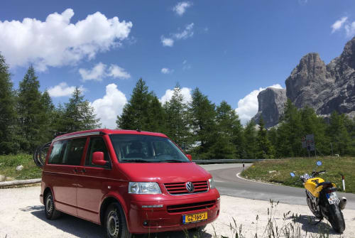Hire a motorhome in Amsterdam from private owners| VW The Red Dream