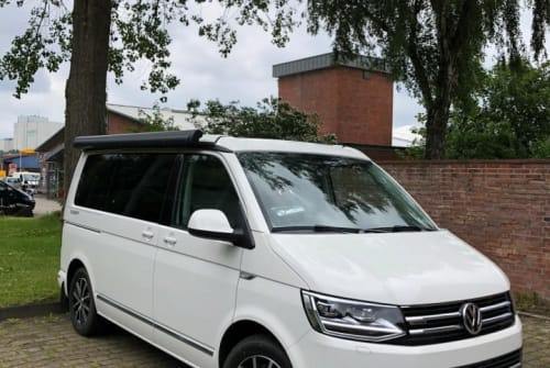 Hire a motorhome in Flensburg from private owners| Volkswagen Cultcamper 2