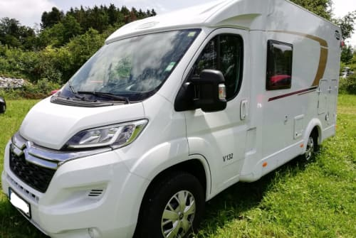 Hire a motorhome in Ludwigsburg from private owners| Carado Olaf