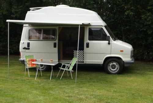 Hire a motorhome in Westerholz from private owners| Peugeot Bussi