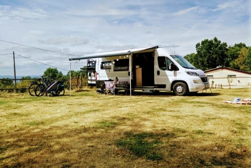 Hire a motorhome in Dresden from private owners| Sunlight Sunny