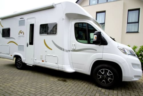 Hire a motorhome in Steinhagen from private owners| Moveeo Mein WoMo 1