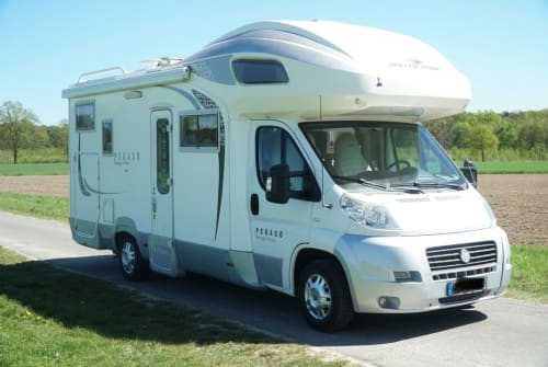 Hire a motorhome in Wolfsburg from private owners| Roller Team  Mr. MI