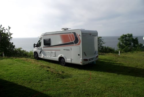 Hire a motorhome in Essen from private owners| Weinsberg Floki