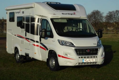 Hire a motorhome in Minden from private owners| Sunlight MIMU