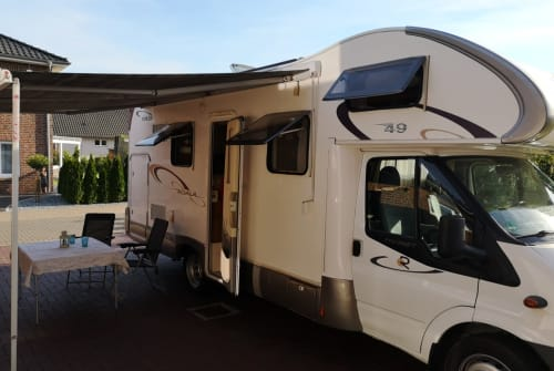 Hire a motorhome in Vechelde from private owners| Ford Transit Family Fun