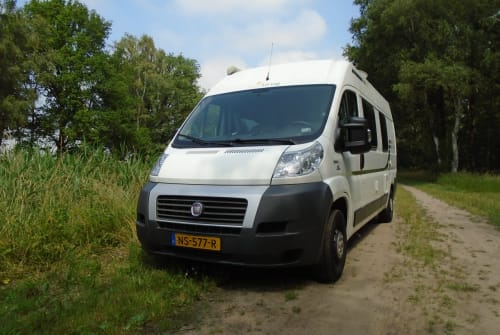Hire a motorhome in Raalte from private owners| Fiat Ducato Sunliving Sunliving