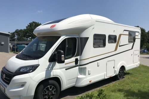 Hire a motorhome in Itzstedt from private owners| Eura Mobil Strandläufer