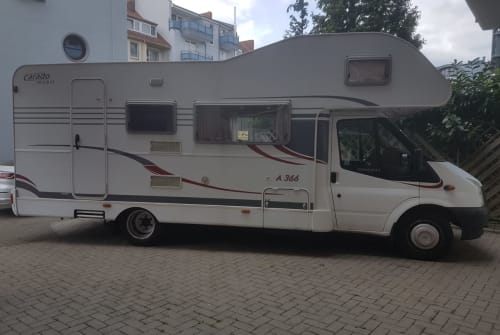 Hire a motorhome in Bremen from private owners| Ford Carado Weltenbummler