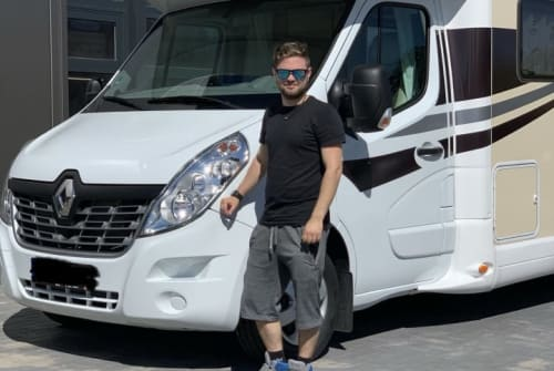 Hire a motorhome in Sankt Michaelisdonn from private owners| Ahorn  Baloo