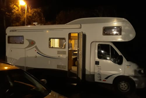 Hire a motorhome in Annweiler am Trifels from private owners| Dethleffs Dethleff