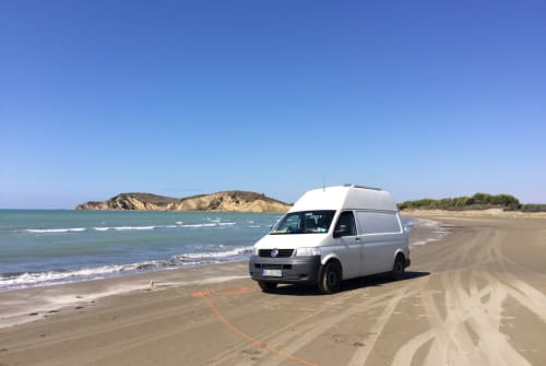 Hire a motorhome in Dresden from private owners| VW Butz