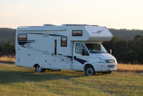 Hire a motorhome in Waldbröl from private owners| Concorde, Iveco Concorde Credo