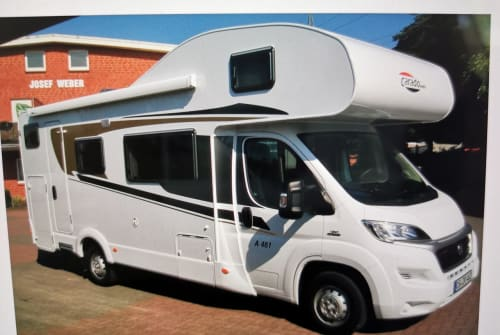 Hire a motorhome in Dresden from private owners| Carado relax