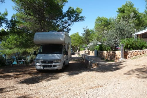 Hire a motorhome in Kassel from private owners| Dethleffs Klein und Fein
