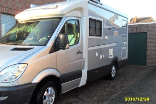 Hire a motorhome in Kalkar from private owners| Mercedes Sprinter WollesMobil