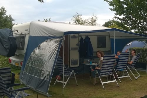 Hire a motorhome in Zaandijk from private owners  Fendt Globetrotter
