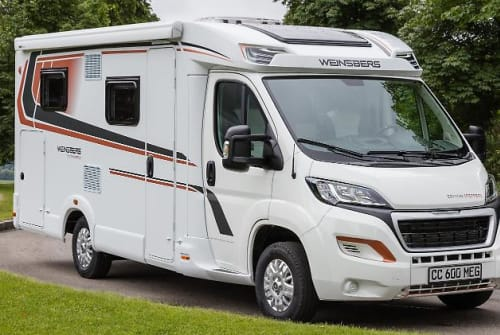 Hire a motorhome in Kelsterbach from private owners| Weinsberg 214-CaraCompact