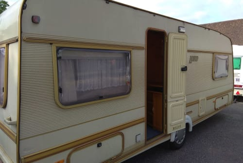 Hire a motorhome in Krefeld from private owners| LMC Alte Schachtel