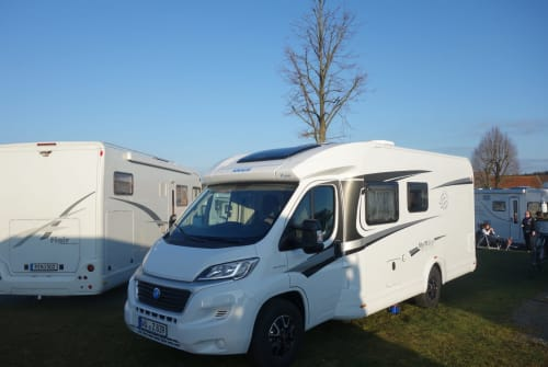 Hire a motorhome in Sommerhausen from private owners| Knaus  SKY
