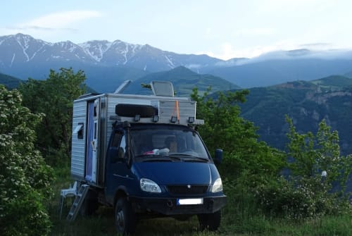 Hire a motorhome in Leipzig from private owners| GAZ Die Gazelle