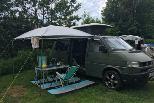 Hire a motorhome in Köln from private owners| VW Moby