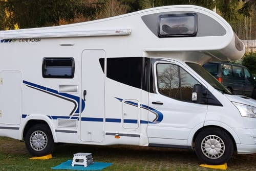 Hire a motorhome in Kirchheim unter Teck from private owners| Chausson Chausson C516