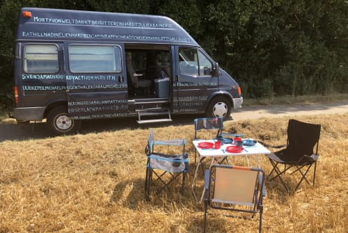 Hire a motorhome in Hannover from private owners| Ford Die Welt
