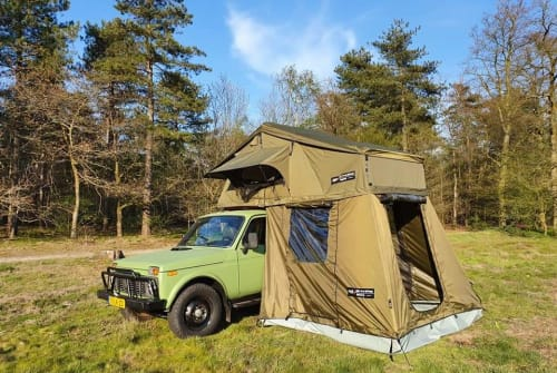 Hire a motorhome in Tilburg from private owners| Lada NatureGem