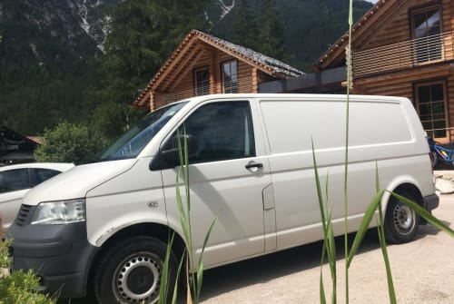 Hire a motorhome in München from private owners| VW Herr Gambetti