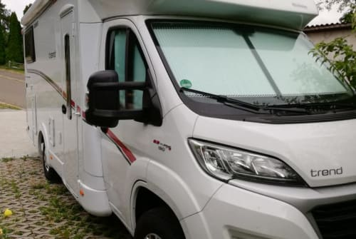 Hire a motorhome in Lauterbach from private owners| Dethleffs Bärli