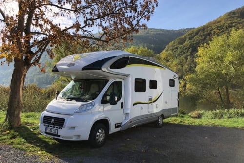 Hire a motorhome in Tornesch from private owners| PLA WOW-mobil XXL
